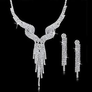 💎 AUSTRIAN CRYSTAL NECKLACE AND EARRING SET